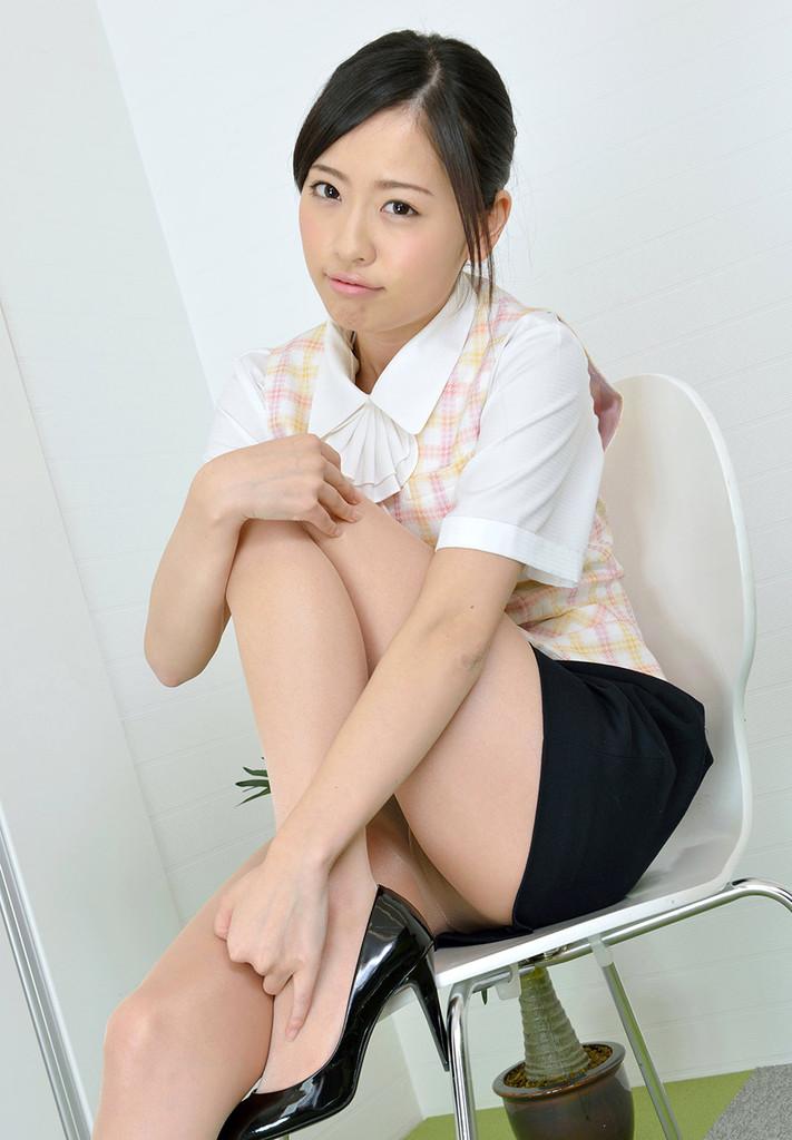 こんな部下がいたら仕事が手につかないんだが 矢野目美有