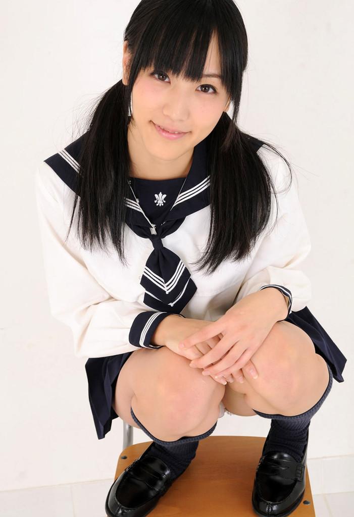 スカート短すぎ!、、もっとやってください、お願いします。 (ツインテール編)浜田由梨