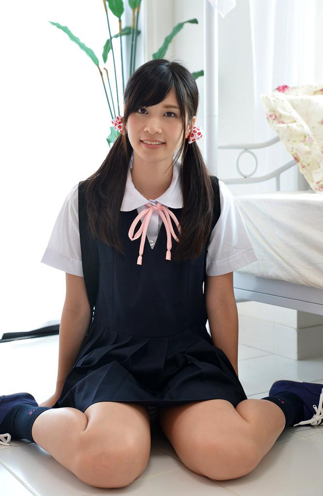 ピンクの縞パンツインテール女子高生 佐藤理亜(さとうりあ)画像27枚