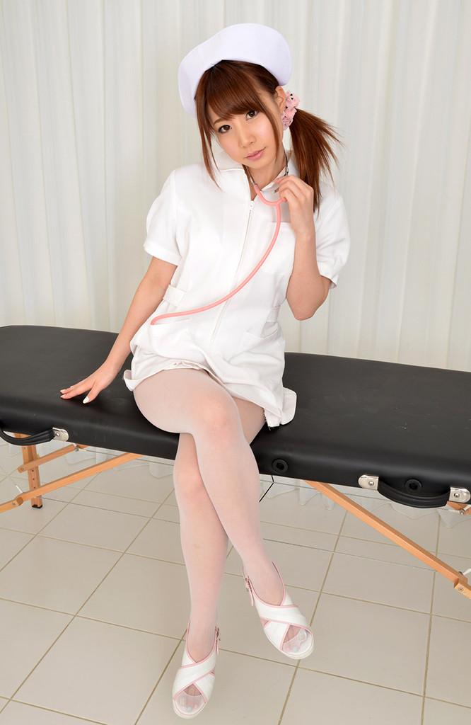 俺、入院中! こんな長谷川ルイ画像見てしまうと、看護婦さん、エロい目でしか見れなくて困る。